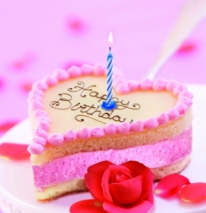 Birthday Heart quotMy family amp Iquot Strawberry Cake recipe