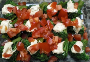 Broccolitomatovegetable sauce with mozzarella recipe