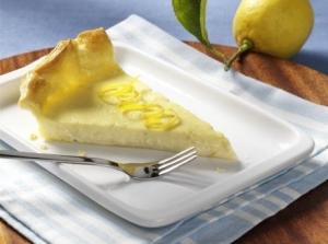 Creamy lemon cream tart in a crispy puff pastry