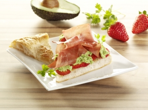Ham flatbread with avocado cream Bread recipe