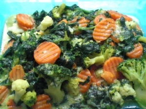 Mixed vegetables in cheese sauce