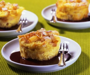 Ofenschlupfer with quince and chocolate sauce Biscuits recipe