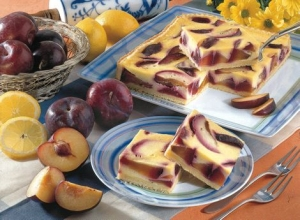 Sheet cake with plums and Rahmguss Sheet Cake recipe