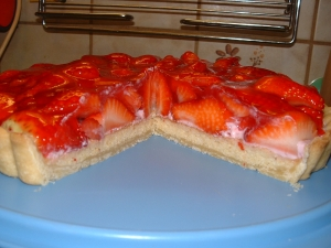 Strawberry cake with fruit curd Strawberry Cake recipe
