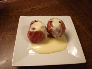 Baked apples with vanilla sauce in flavor wave Oven cooked