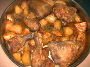 Chicken with potatoes from the oven
