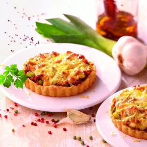 Chinese cabbage and mince quiche