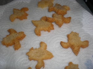 Decorative croutons for salads and finger food