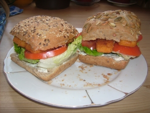 Fish sticks in the whole grain burger buns