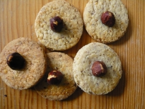 Hazelnut cookies with whole nuts Cookie recipe