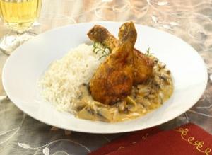 Knusperkeulen on mushroom rice