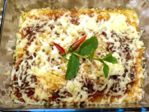 Lasagna with cheese and minced lamb