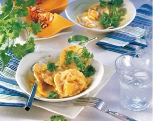 Pumpkin ravioli in curry sauce