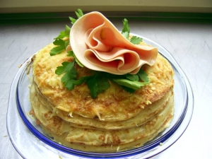 Rapid pancakes with ham sausage pie