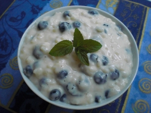 Rice pudding with soy milk and blueberries