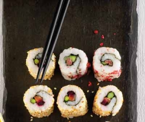 Salmon sushi with beetroot