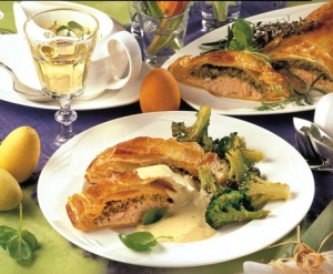 Salmon trout in puff pastry with broccoli