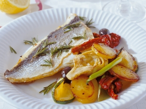 Sea bream with roasted potatoes Provencal