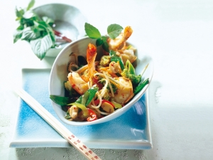 Shrimp and vegetable wok