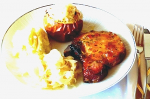 Smoked pork chop with cabbageapple
