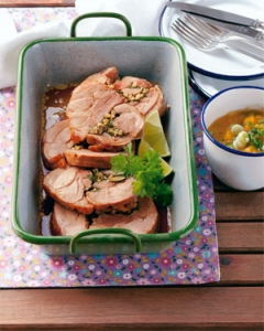 Stuffed roast turkey with apricot curry dip