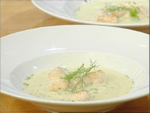 Fennel soup with saffron and chicken breast