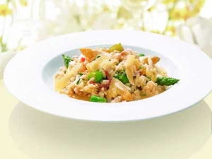 Asparagus-risotto-with-hollandaise-sauce