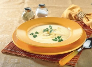 Cream-of-asparagus-soup-with-chervil