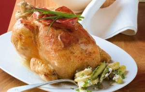 Roast-chicken-with-bacon-crust