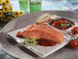 Salmon-fillet-with-tomato-and-oregano-salsa