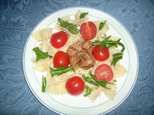 Vegetarian-pasta-salad-with-fillet-strips