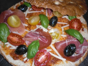 Spanish flatbread pizza