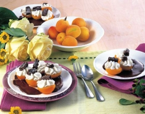 Apricot-flowers-on-chocolate-sauce-recipe