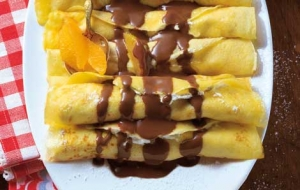 Pancakes With Cottage Cheese Filling