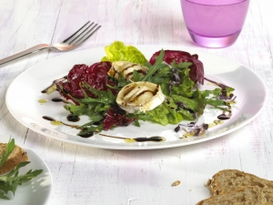 Balsamissimo Salad With Goat Cheese