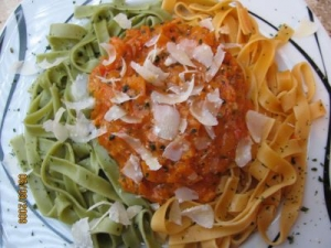 Tagliatelle Rosso E Verde Sauce With Spicy Vegetables