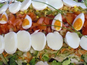 Vesper Salad With Mozzarella And Egg