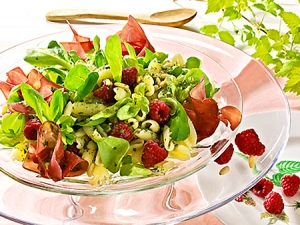Pasta Salad With Raspberries